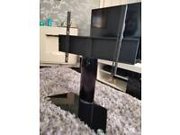 Swivel table top tv stand