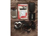 Compaq iPaq Pocket PC Model 3870 H3800 Series + 1GB SD Card + 3x Stylus + 2x Case