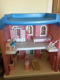 Two storey,large barbie dolls house incl furniture