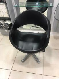 8 REM hairdressing salon chairs