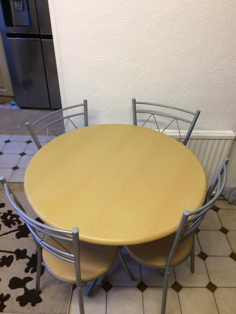 Round table with 4 chairs wooden table