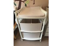 Stokke changing table in White including mat & storage containers