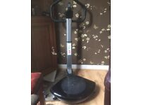 Vibration plate with swivel plate for the waist