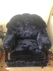 Single sofa chair free to collect