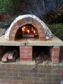 No fees - 3 bed semi detached house in Fenham with outdoor clay pizza oven, large gardens & drive