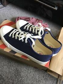 Bata bullets navy canvas trainers