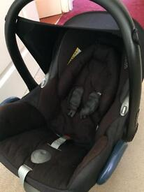Maxi cosi cabriofix baby car seat good condition