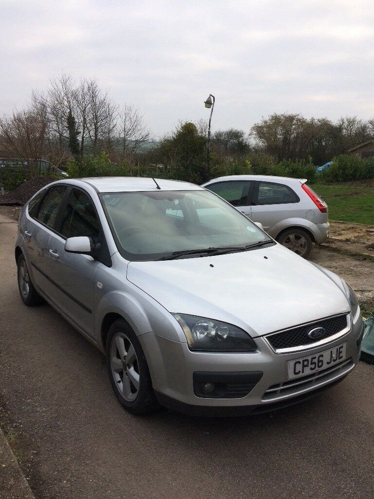Ford Focus 1.6 Zetec FSH, Low Mileage, New MOT, 40+mpg, Good Condition Drives perfectly.