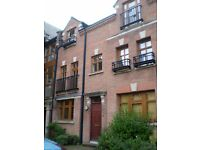 Double room in gated 4 bedroom modern townhouse **The Cloisters**