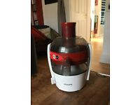 Philips HR1832 Juicer - red and white - hardly used - grab a bargain!