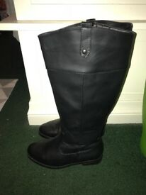 Black womens boots size 6 NEW