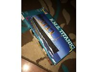 revell titanic model scale 1:700