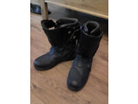 Ladies Motorcycle Boots Size 5. Blytz model Z2. Hardly worn.