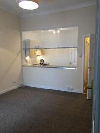 *TO RENT* 1-bedroom flat in central Motherwell