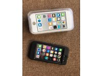 iPod Touch 6th Generation, Excellent Condition, unused accessories, boxed, 32gb. Silver