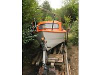 Half cabin fishing boat