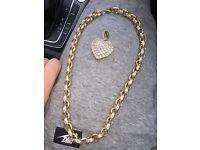 90 gram 9kt gold belcher with diamond love heart