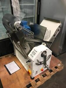 $14,000++ counter top doyon dough sheeter (  variable speed )  reversible for only $5500 ! Shipping available in Canada