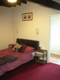 Bedsit with own ensuite quite Silverton 8 miles from city centre