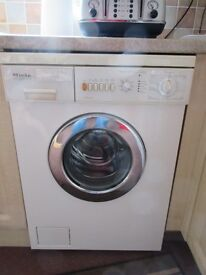 Miele Novotronic W715 Washing Machine