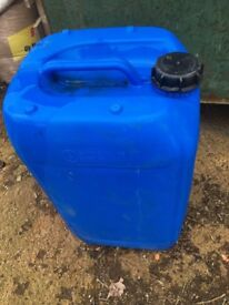 Used plastic 25l containers