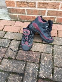 Cotton traders ladies walking boots size 5