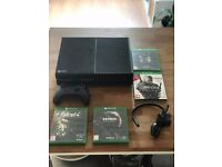 Xbox One + 4 Games