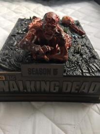 Rare Limited Edition Collectors Item Walking Dead Season 5 box set