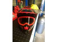 Q Tech Motorcycle Motocross Helmet - Size Small