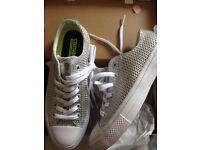 Converse shoes - size 5