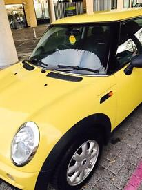 Mini Cooper 1.6 in excellent condition ready to drive away