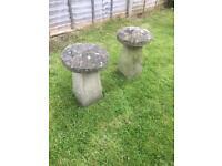 Large antique mushroom straddle stone ornaments