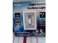 LIGHT SWITCH / CORDLESS LIGHT BN