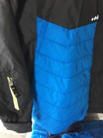 Ski/snowboarding age7-9, jacket/trousers/thermal undergarments age7-9yrs,one ski-trip,blue,BoscPier