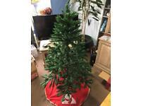 Christmas tree & Ornaments + led lights 150cm X 98cm