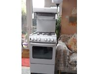 Newworld gas cooker 50cm wide good working condition