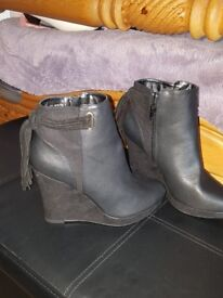 Size 6 ladies boots