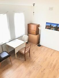 1Kingsize+2doubles in newly refurbished bright cozy house. Available now!