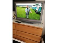 Sony Bravia 32 inch HD LCD TV with built in Freeview HDMI and Scart sockets
