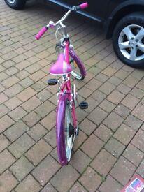 Girls B'twin bike