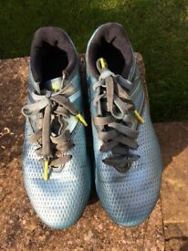 Boys Adidas Messi football boots size 2 VGC