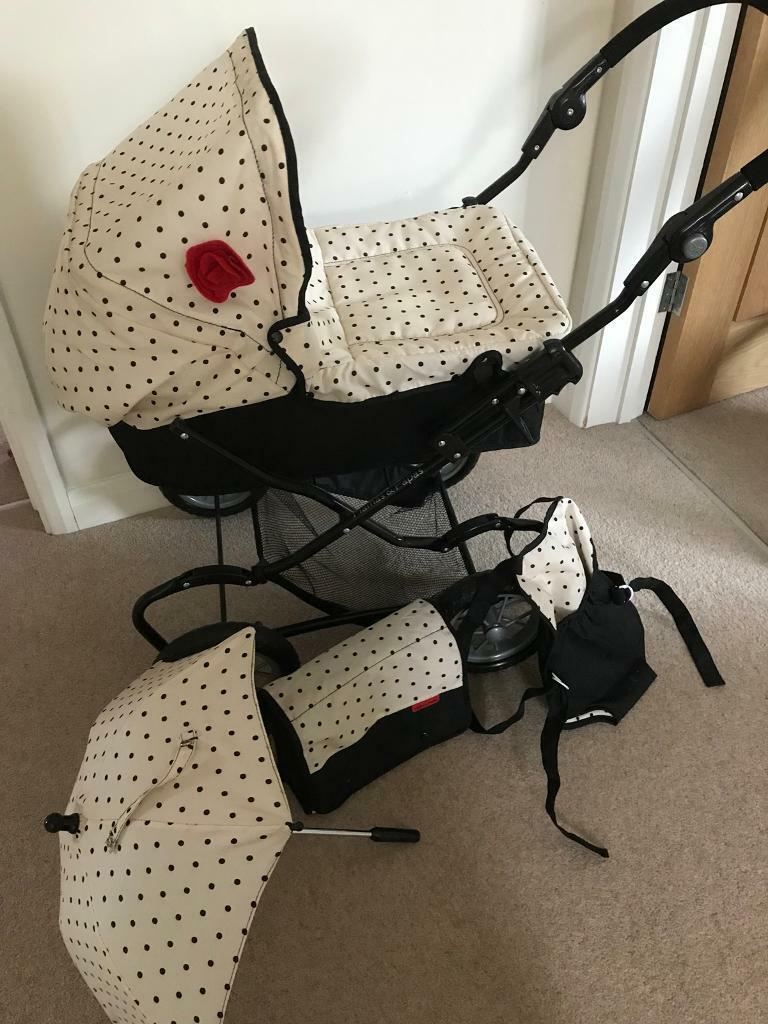 Mamas and Papas Dolls Pram