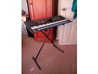 Yamaha Portasound PSS-680 Keyboard with stand