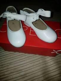 Capezio tap shoes child size 9