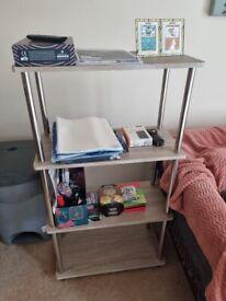 2 bookshelfs