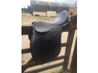 """18"""" Black Leather Saddle"""