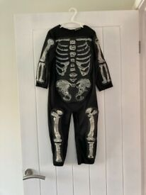 Halloween skeleton costume age 3-4