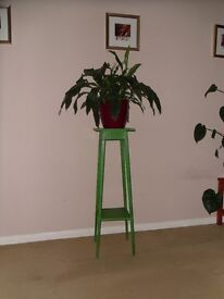Vintage wooden plant stand painted in Annie Sloan chalk paint