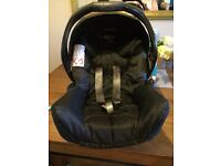 Graco Junior car seat and Isofix base