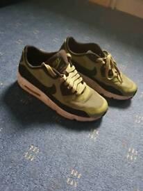 Nike airs boy junior trainers